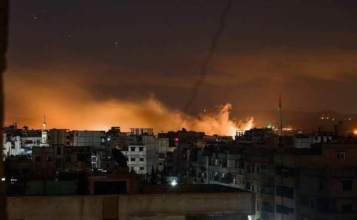 الآن 4 قتلى و15 جريحا بسقوط قذيفة على سوق في دمشق