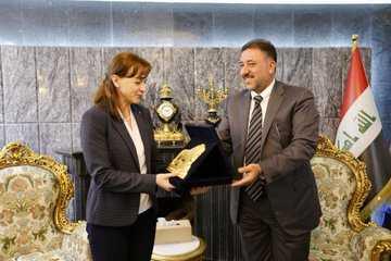 صورة الشيخ خميس الخنجر يلتقي بوفد المعهد الديمقراطي الدولي في العراق