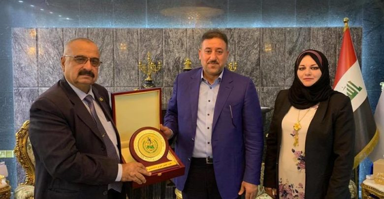 صورة الشيخ خميس الخنجر يستقبل أعضاء المكتب التنفيذي للمجلس العربي للأكاديميين والكفاءات