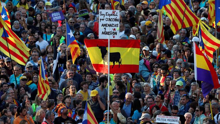 """الكتالونيين في #اسبانيا يتظاهرون تحت مسمى """"الحرية"""""""