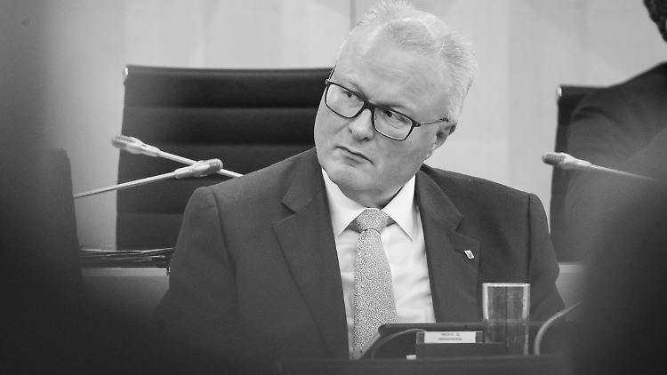 وزير المالية الالماني انتحر