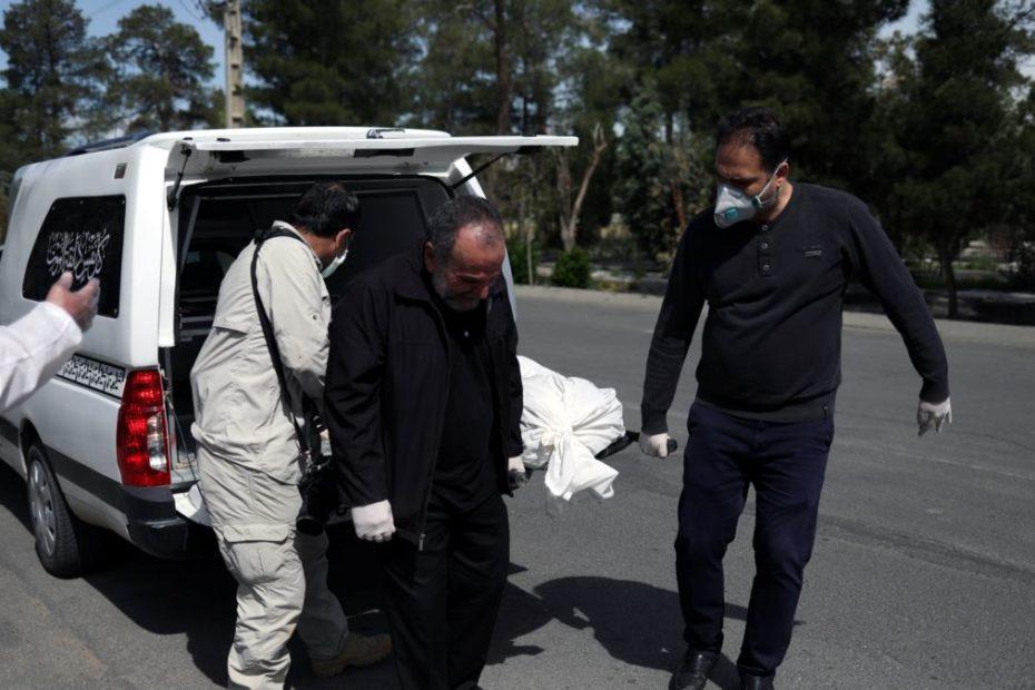 وفاة افلاطون زعيم الزرادشتية في ايران