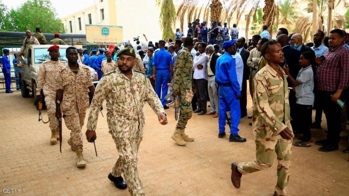 حظر التجول في بورتسودان بعد اشتباكات دامية في السودان