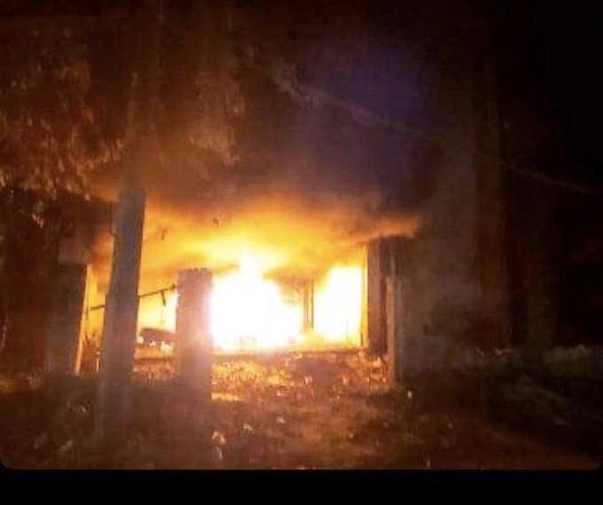 بسبب لقاء المالكي بقناة سعد البزاز حرق مقر حزب الدعوة في #ذي_قار.