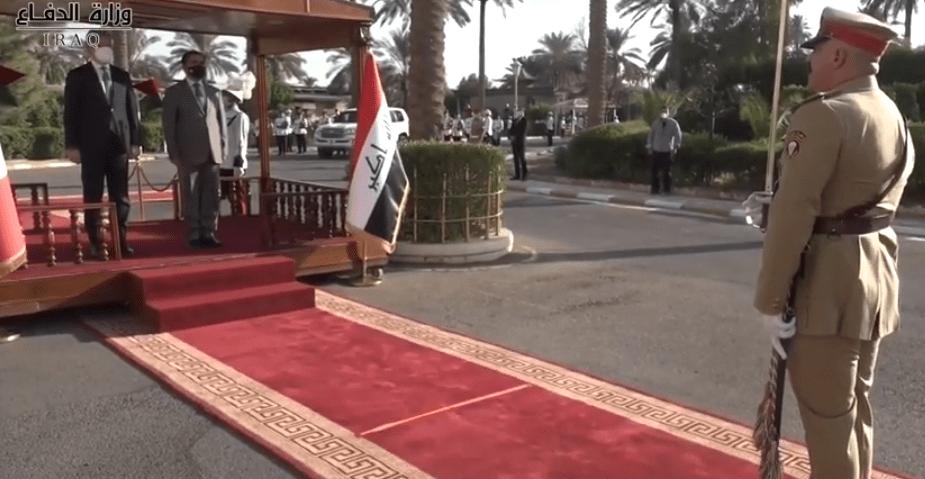 لأول مرة بالعالم استقبال ابن عناد لوزير بسلام جمهوري وبقصر صدام