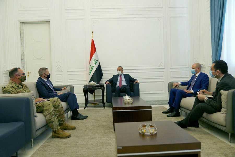 الكاظمي يبلغ السفير الامريكي بما دار باجتماعه مع لجنة التحقيق