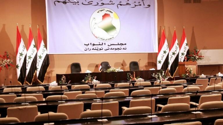 البرلمان يقر قانون العجز المالي بعد نص الليل وبعد حذف حصة الاكراد ووضع تعويضات الكويت كمادة أولى