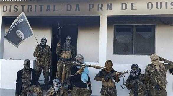 داعش الارهابي ينحر اكثر من 80 مواطن موزمبيقي في ملعب كرة قدم