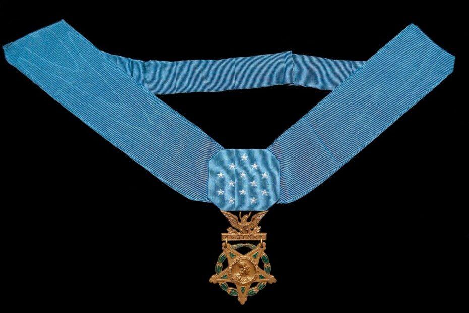 مجلس الشيوخ يوافق على تكريم الكارينز الذي اسماه البنتاعون بطل العراق فمات