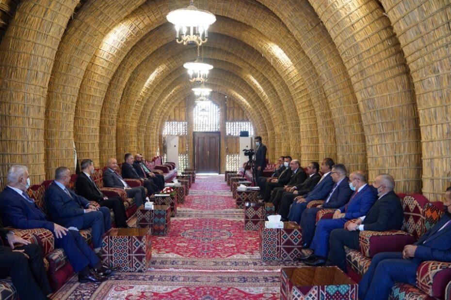 برهم صالح يستقبل رئيس الوزراء الاردني بالمضيف