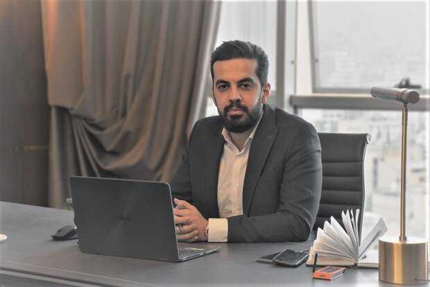 إيراني يشترى أول تغريدة في التاريخ وتكولون فلوس ماكو