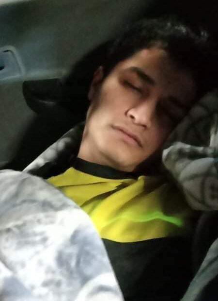 اتباع امام الحنانة يقتلون الكربلائي علي فياض جوار قبر الحسين