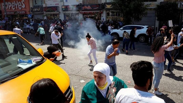 """غضب الشارع الفلسطيني بعد اغتيال """"نزار بنات"""""""
