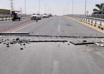 الجسر الذي افتتحه الكاظمي بالناصرية طلع خربان