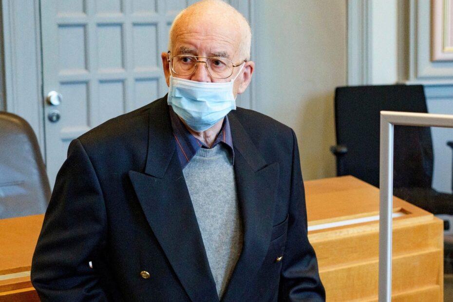 حكمألماني يبلغ من العمر 84 عامًا بعد إخفاء دبابة نازية من الحرب العالمية الثانية ومدفع مضاد للطائرات في منزله