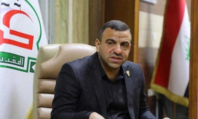 صورة غوغاء يقتلون عبير سليم الخفاجي مدير بلدية كربلاء جوار قبر الحسين بثلاثة اطلاقات في شهر عاشور