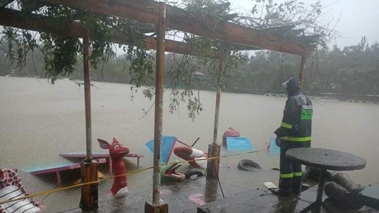 إعصار #كومباسو في الفلبين إلى 30 شخصا