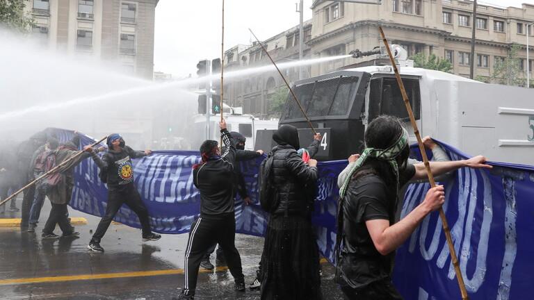 مواجهات الشرطة والسكان الأصليين في تشيلي